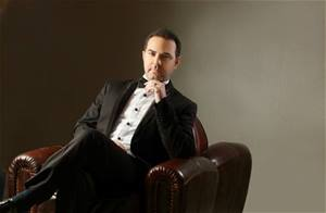 Wael Jassar will be performing live at Tyre Festival on August 4... Get your tickets now!