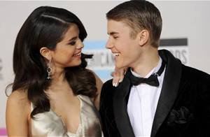 Justin Bieber and Selena Gomez hit yoga after spending the New Year Eve together!