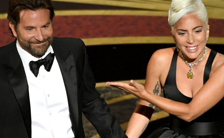 Is Lady Gaga in Love with Bradley Cooperæ